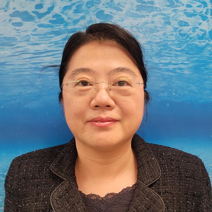 Dr Gloria Yang